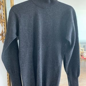 Chanel authentic classic cashmere sweater